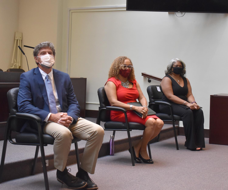 Mayor John Pallone, Leslie Anderson and Jackeline Mejias-Fuertes